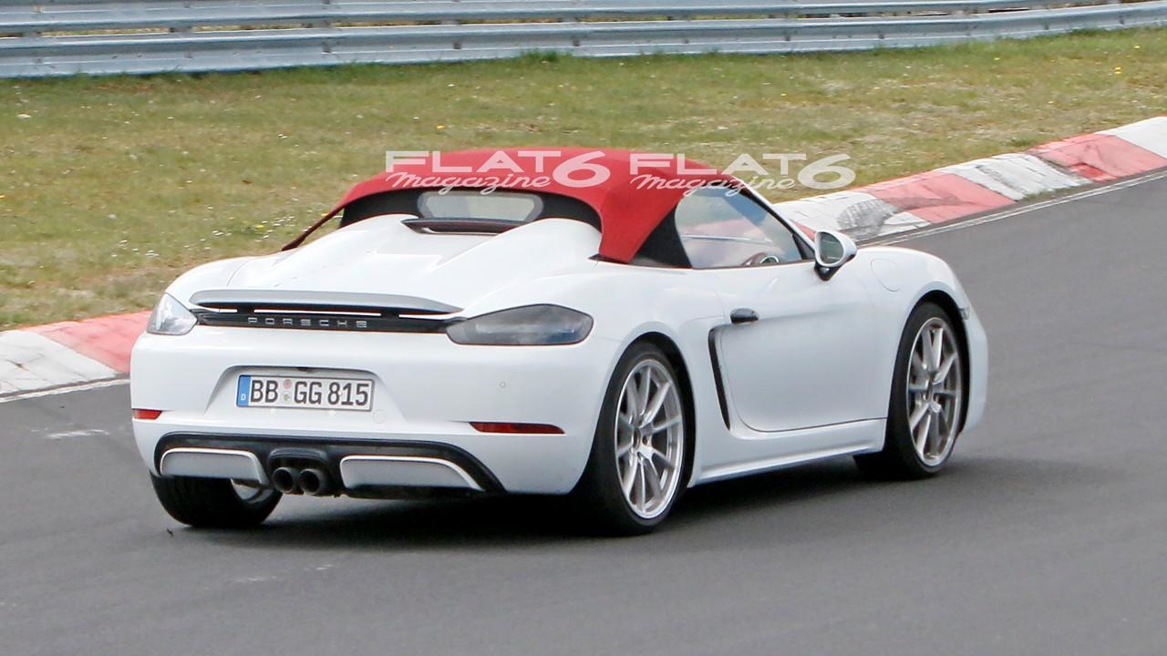 Porsche 718 spyder 2021 4 cylindres 6