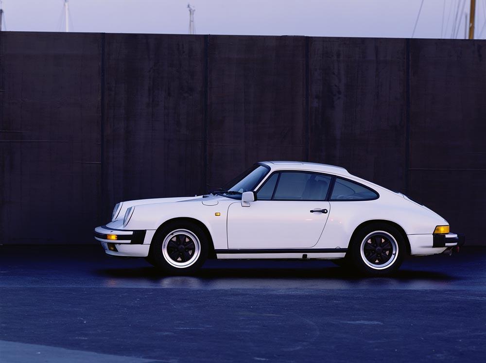 Porsche 911 type g carrera 3 2 blanc profil 1