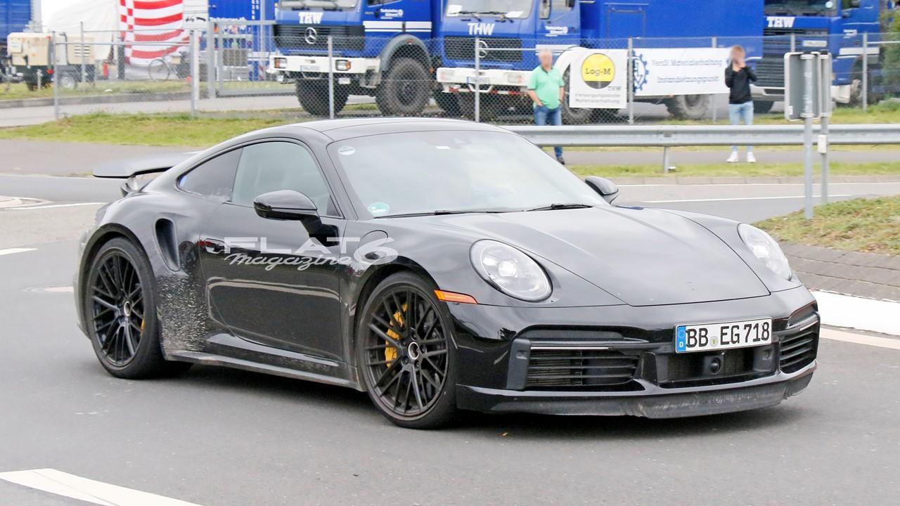Porsche 992 turbo s e hybrid 2
