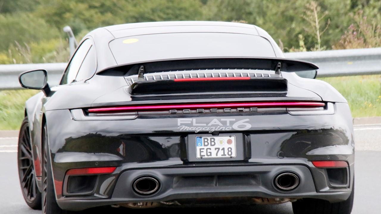 Porsche 992 turbo s e hybrid 3